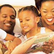"Grow Up Reading – Parents. Tips for ""How to Raise a Reader."" Includes websites, articles, and more."
