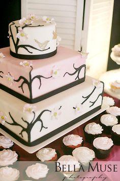 Wedding cake and cupcakes, #wedding #cake #cupcakes #blossom #oriental #japanese © Bella Muse | www.Bella-Muse.com Wedding Cake Roses, Themed Wedding Cakes, Wedding Cakes With Cupcakes, Rose Wedding, Themed Cakes, Cupcake Cakes, Wedding Stuff, Wedding 2015, Wedding Ideas