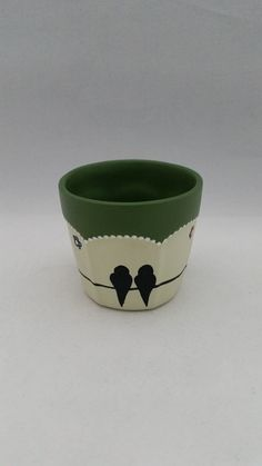 Flower Pot Crafts, Clay Pot Crafts, Diy And Crafts, Painted Plant Pots, Painted Flower Pots, Decorated Flower Pots, Pottery Painting Designs, Garden Party Decorations, Art N Craft