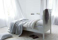 All White Rooms: Boring or Chic?