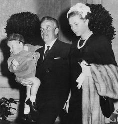Princess Grace and Prince Rainier take little Prince Albert on one of his first official outings to an event at the Oceanographic Museum (Musée océanographique) in Monaco, Albert Monaco, Princess Grace Kelly, Prince Rainier, Monaco Royal Family, Two Daughters, Prince Albert, Prince And Princess, Her Smile, Amazing Grace