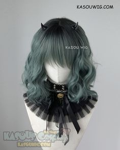 Style: Short lovely wavy blunt-ended style with thick hair and messy waves,lightly angled. Becautiful colors add a nice dimension and texture to the waves. Choppily layers long bangs can sweep to side, the bangs measure apporx. Cosplay Hair, Cosplay Wigs, Anime Cosplay, Kawaii Hairstyles, Pretty Hairstyles, Wig Hairstyles, Anime Wigs, Anime Hair, Hair Inspo