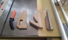 테이블쏘와 놀기 - 4. 없으면 아쉬운 테이블쏘를 위한 지그와 악세사리 10가지 : 네이버 블로그 Table Saw, Diy And Crafts, Wood, Home Decor, Decoration Home, Woodwind Instrument, Room Decor, Timber Wood, Trees