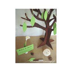 Décoration de mariage sur le thème de la nature : Le livre d'or arbre en carton
