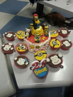 My friends cake for her partner. I made the monkeys and she did the minions.