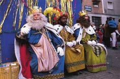 ¿Santa Claus o los Reyes Magos? En familias biculturales se pueden combinar las tradiciones navideñas por Lorraine C. Ladish para #ConsejosDeMama