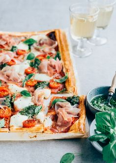 Italian plate cake with prosciutto - From Pauline& Keuken - Italian plate pie with prosciutto paulineskeuken … pie - Easy Diner, Easter Brunch, I Foods, Italian Recipes, Food Inspiration, Love Food, Foodies, Easy Meals, Healthy Dinners