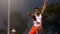 Lenda do salto em comprimento poderá treinar Nélson Évora