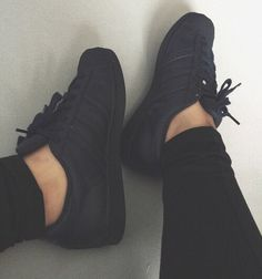 7 Stupendous Cool Tips: Athletic Shoes Photography slip on shoes grey.Slip On Shoes Grey gucci shoes vintage. New Sneakers, Sneakers Fashion, All Black Sneakers, Sneakers Nike, Adidas Shoes, All Black Shoes, Converse Shoes, Shoes Sandals, Fall Shoes