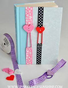 Cómo hacer un marca páginas con listones y botones de corazones ~ Solountip.com:
