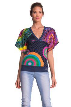 T-Shirt TS_LONG BAY    Dieses Shirt ist ein echter Kombi-Star. Nach Lust und Laune kann man dieses Shirt zum Business- oder Freizeitoutfit tragen. Es lässt Sie stets top gestylt sein.    Material: 55% Baumwolle 45% Viskose  Maße: Länge 65 cm, Armlänge 26 cm, Schulterweite 35 cm in Gr. 36  Pflegehinweis: Maschinenwäsche...