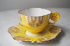Antique Aynsley Flower Handle Teacup and Saucer from Tanglewood Tea Shop Fancy Tea Cups, Yellow Tea Cups, Vintage Tea, Vintage China, Teapot Cookies, Teapots And Cups, My Cup Of Tea, China Patterns, Tea Cup Saucer