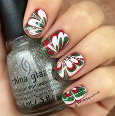 Cute Winter and Christmas Nail Ideas #Marbled red and green nail art - Crafty Morning