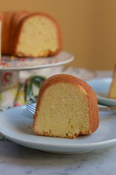Mama's 7Up Pound Cake + A Giveaway! - Hip Foodie Mom