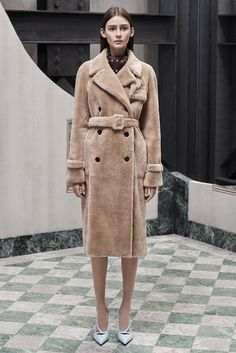 Balenciaga Pre-Fall 2015 Fashion Show