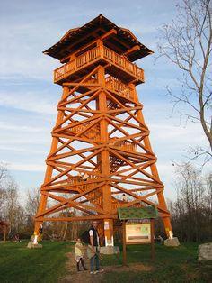 Bati-kereszt kilátó Tower, Batman, Cabin, House Styles, Building, Travel, Home Decor, Rook, Viajes