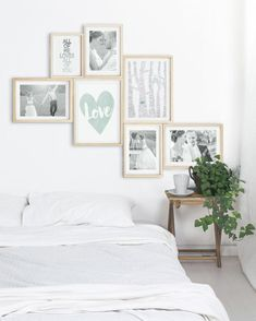 Wall decoration bedroom- Design your own wall collage from a mix of Love posters from Printcandy that you have personalized and your romantic photos. # Bedroom ideas wall decoration Love poster design yourself and conjure up romantic wall decoration! Decoration Bedroom, Decoration Table, Diy Wall Decor, Home Decor, Wall Decorations, Cama Vintage, Collage Mural, Collage Foto, Wedding Collage