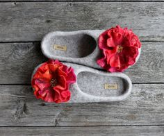 Hey, I found this really awesome Etsy listing at https://www.etsy.com/listing/178915937/felted-wool-slipper-spring-red-pink