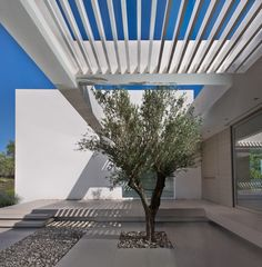 Gallery of House in Zakynthos / Katerina Valsamaki Architects - 3 https://www.facebook.com/BLUE-LINE-1808604156033909/