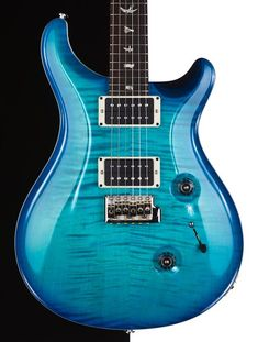 PRS guitar in Makena Blue. Love this color. It's the perfect ocean blue and looks even more stunning in person. #prsguitars