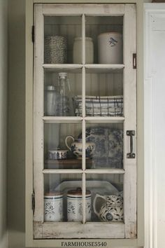 Vitrin régi ablakból :) nagyon jó ötletnek találom :)
