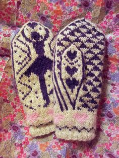 The Fuzzy Square: Dancer Mittens on Two Needles