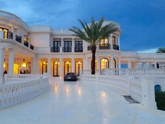 """Luxury Homes Interior Dream Houses Exterior Most Expensive Mansions Plans Modern 👉 Get Your FREE Guide """"The Best Ways To Make Money Online"""" Mansion Homes, Dream Mansion, Mansion Interior, Mansion Kitchen, Mansion Bedroom, Dream Home Design, My Dream Home, Luxury Homes Dream Houses, Dream Homes"""