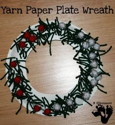 Easy to make yarn Paper Wreath Christmas Yarn Wreaths, Christmas Ornament Crafts, Ornaments, Preschool Christmas Activities, Preschool Winter, Bible Activities, Winter Activities, Toddler Activities, A Christmas Story