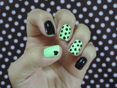 A criatividade e ousadia são sempre bem vindas na hora de decoras as unhas. O resultado é perfeito, unhas lindas!!!! Tudo para suas unhas em: www.lojadeesmaltes.com.br