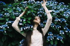 "yukamannami on Instagram: ""あじさい ヒンヤリしてて気持ちいい 茶道ならってたとき、 あじさいの和菓子好きだったな〜 Photo by(@mitograph) Dive into the ocean of the flowers~ #Hydrangea #紫陽花 #botanical…"""