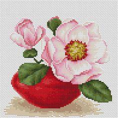 B107 Magnolia €10.50  Kit completo de punto de cruz Marca: Luca-S Hilos: Anchor Tela Aida: Zweigart Medidas: 16,5*15,5cm Colores: 24