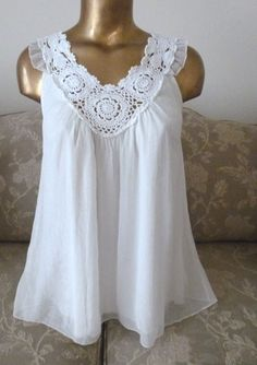 """""""ADIVA"""" EXQUISITE VINTAGE STYLE LACE &SHIMMER polyester & cotton, lined. Size S #SherryTaylor #sleevelesssmock #Casual"""