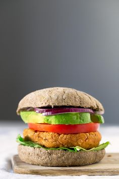 To make veggie burgers is really easy, they're so delicious and much healthier than meat burgers. If you love sweet potatoes, this recipe is for you!