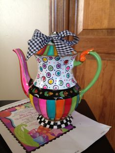 Custom Hand Painted Teapot/Coffee pot by 'paintingbymichele' on Etsy★♥★ Pottery Painting, Ceramic Painting, Ceramic Art, Tole Painting, Ceramic Pottery, Painted Pottery, Silver Tea Set, Paint Your Own Pottery, Teapots And Cups