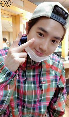 New baby face smile dolls 53 Ideas Exo Korean, Korean Boy, Baekhyun Chanyeol, K Pop, Luhan And Kris, Kim Joon Myeon, Exo Album, Smiling Man, Kpop Exo