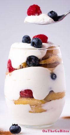 Our make-ahead yogurt parfait recipe with fruit like raspberries, blueberries and sweet cinnamon app Parfait Recipes, Fruit Recipes, Dessert Recipes, Cooking Recipes, Desserts, Picnic Recipes, Dinner Recipes, Protein Recipes, Protein Snacks