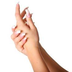 <p>Le tue unghie si spezzano con troppa facilità e non riesci a farle crescere come vorresti? In questo articolo troverai 5consigli per far crescere le unghie lunghe, sane e bellissime! Bastano solo pochi minuti al giorno e un po' di attenzione ad alcuni particolari per ottenere subito i primi risultati …</p>