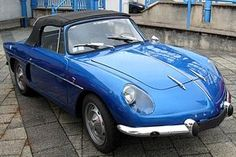 Alpine A108 Cabriolet (phare englobés) Année de production: 1961 - 1962 Production: 1.200 Unités (Hard top inclus)