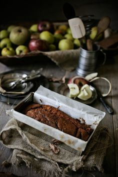 Pratos e Travessas: Bolo de maça caramelizada e calvados # Caramelized apple and calvados cake