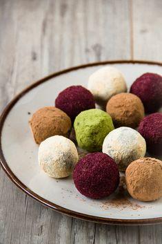 Μπαλίτσες Ενέργειας με Yπερτροφές – Superfoods Energy Balls Diet Recipes, Cooking Recipes, Cookies, Healthy, Desserts, Food, Crack Crackers, Tailgate Desserts, Deserts