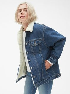 88c96b3c2ed Gap Womens Oversized Sherpa-Lined Icon Denim Jacket Medium Wash Sherpa  Lined Denim Jacket
