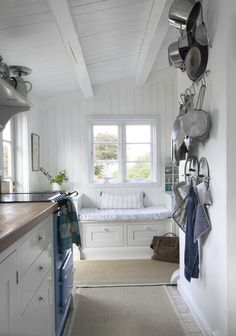 My Country Living Cottage Kitchens, Home Kitchens, Country Kitchens, Dream Kitchens, Country Farmhouse, Country Living, Swedish Cottage, Cottage Style, Cottage Floor Plans