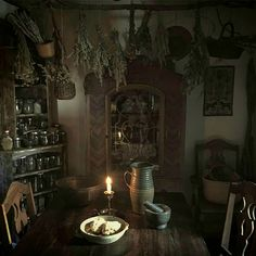 skyrim home decor Witch Cottage, Cottage In The Woods, Witch House, Witch Decor, Witch Aesthetic, Kitchen Witch, My New Room, Skyrim, Decoration