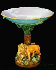 Very Rare George Jones Majolica Lion Compte from the Continents series. Old Pottery, Ceramic Pottery, Bowls, George Jones, Table Centers, Pottery Making, Antique China, Porcelain Ceramics, Earthenware
