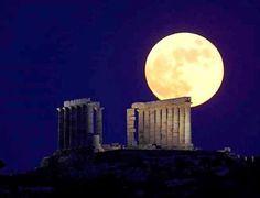 The Sagittarius Full Moon Will Fall Tonight 9 June