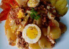 Bolognai rakott krumpli 🍝 | Erika receptje - Cookpad receptek Bologna, Meat Recipes, Main Dishes, Bacon, Food And Drink, Eggs, Lunch, Drinks, Breakfast
