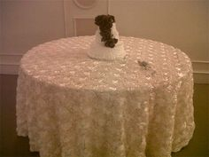 Rosette ivory round tablecloth