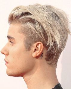 I edited this picture of Justin's hair Cabelo Do Justin Bieber, Justin Bieber Long Hair, Justin Bieber Style, Hairstyles Haircuts, Haircuts For Men, Short Hair Cuts, Short Hair Styles, Men Hair Color, Hair Colour