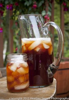 4 cups water, 3 family tea bags, steep 5 min, sweeten and refrig Non Alcoholic Drinks, Fun Drinks, Yummy Drinks, Cold Drinks, Summer Beverages, Cocktails, Clean Pots, Good Enough To Eat, Sweet Tea
