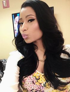she gorgeous without all the extra #NickiMinaj